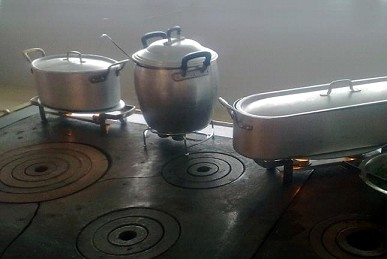 črna kuhinja