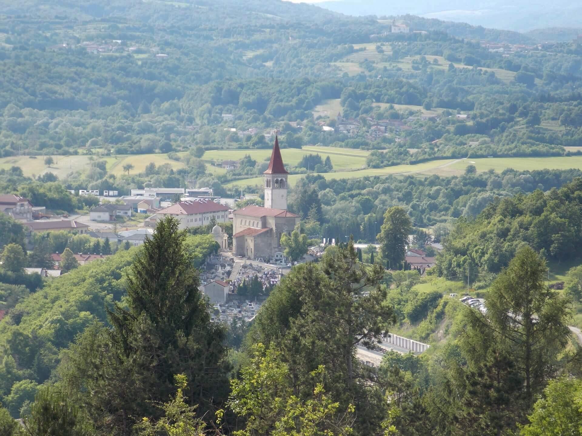 pogled na cerkev sv. Petra